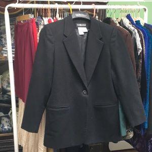 Jacket. 100% Wool.